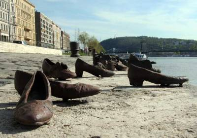 shoes_in_budapest_2